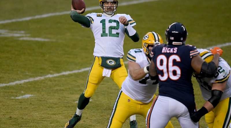 Green Bay Packers QB Aaron Rodgers playing against the Chicago Bears