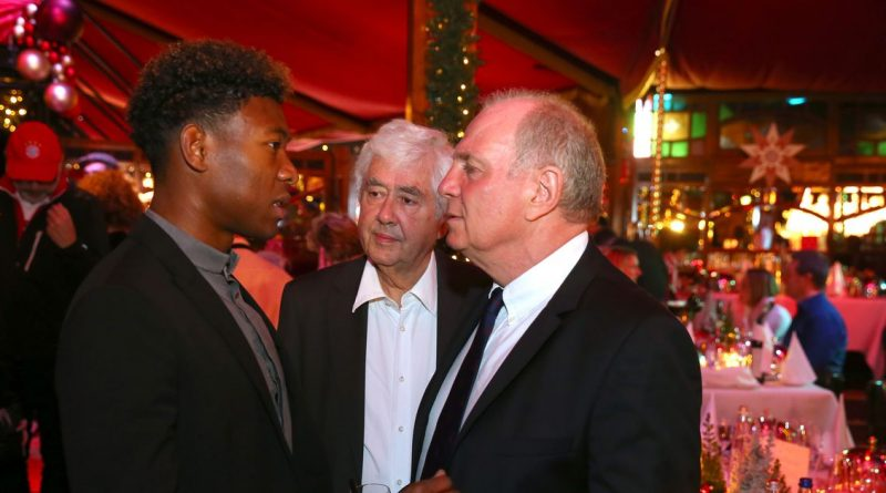 Bayern Munich legends Uli Hoeness and David Alaba remember their FC Barcelona discussion a bit differently